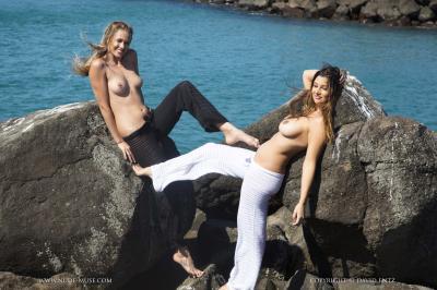 Scarlett-Morgan-%26-Elly-Topless--b6rv0tbpgk.jpg