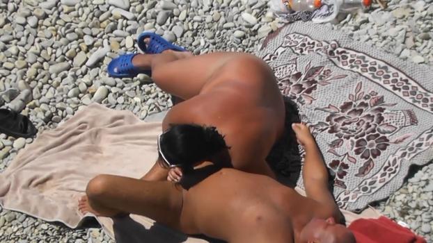 Фото скрытой камеры девушек на пляже отсос 12