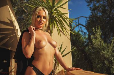Sara Louise - Overlooked 16rv3p4iip.jpg