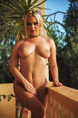 Sara Louise - Overlooked e6rv3ql4bf.jpg