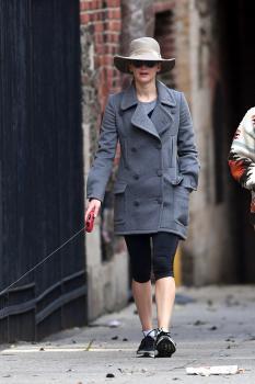 Jennifer Lawrence walking her dog in NYC 3