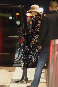 Jennifer Lawrence at JFK 11/21/17 13