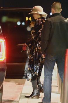 Jennifer Lawrence at JFK 11/21/17 14