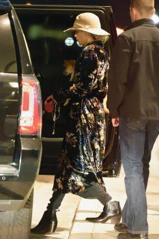 Jennifer Lawrence at JFK 11/21/17 18