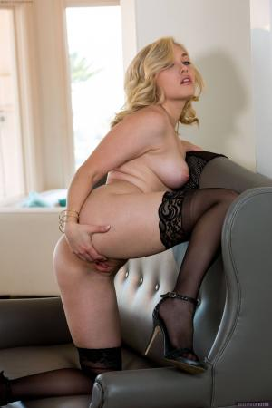 MK Blondie - Set 330043 m6rv5qixsa.jpg