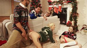 myfamilypies-17-12-19-angel-smalls-and-kenzie-reeves-christmas-family-sex.jpg