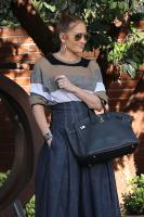 jennifer-lopez-south-beverly-grill-in-beverly-hills-122917-12.jpg