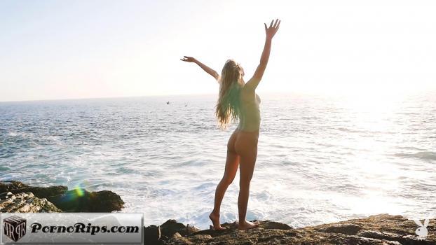 playboyplus-17-11-27-jennifer-love-seashore-beauty.jpg